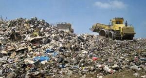 Δεκτά τα σκουπίδια της Ηλείας στη Ναυπακτία – Και μύδροι κατά Κουρουμπλή